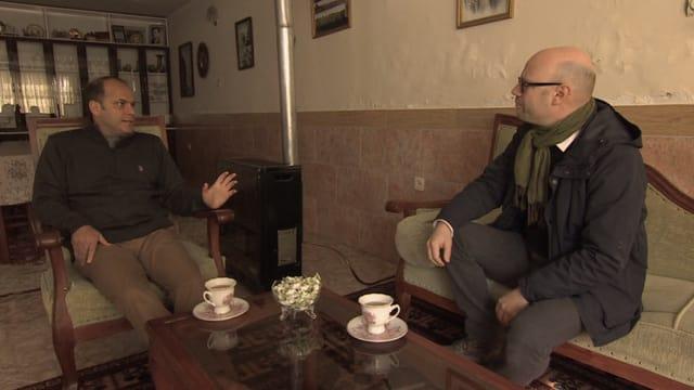Harun Mir mit Korrespondent Pascal Weber