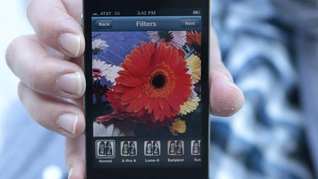 Handy mit Instagram-Oberfläche