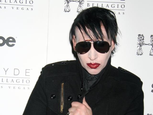 Marilyn Manson mit Sonnenbrille