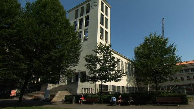 Blick auf die Lukaskirche Luzern