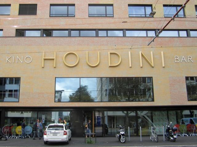 Aussenansicht des Zürcher Kinos Houdini.