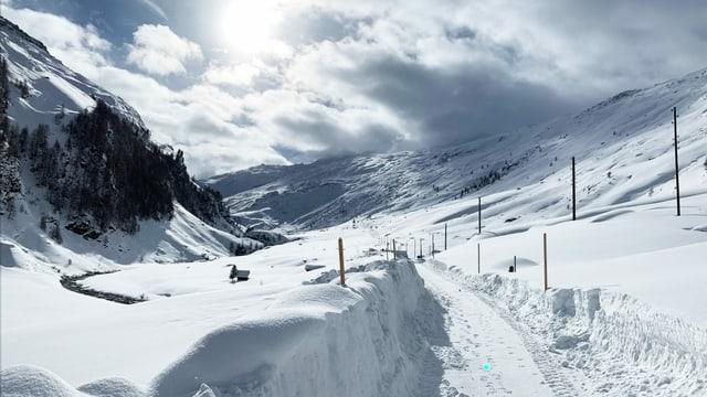 Minus 10 Grad im bündnerischen Avers auf über 2000 Metern über Meer. Eine Schneelandschaft.