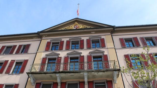 Fassade des Regierungsgebäudes in Sitten.