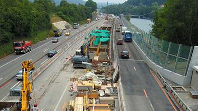 Bauarbeiten auf dem befahrenen Lehnenviadukt