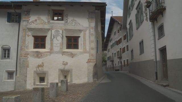 Haus mit Wandmalereien