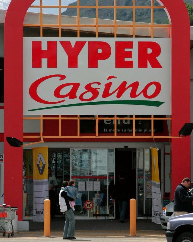 Hyper-Casino-Laden in Uvrier im Wallis. (keystone)
