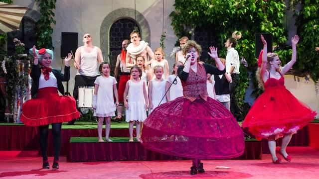 Die moderne Inszenierung von Shakespeares Klassiker «Viel Lärm um nichts» an den Wettinger Klosterspielen polarisierte.