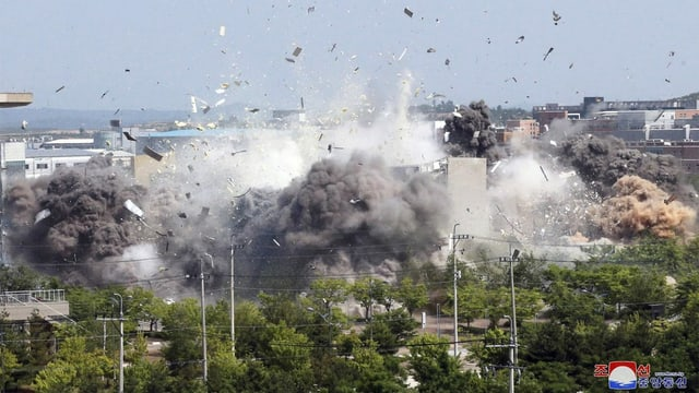 Sprengung eines Gebäudes
