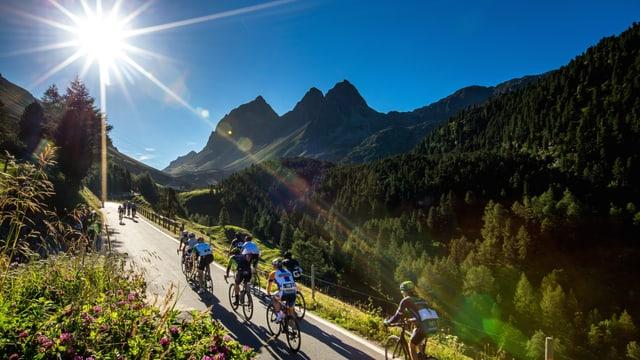 ciclists sin ina via laterala