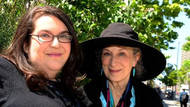 Naomi Alderman und Margaret Atwood.