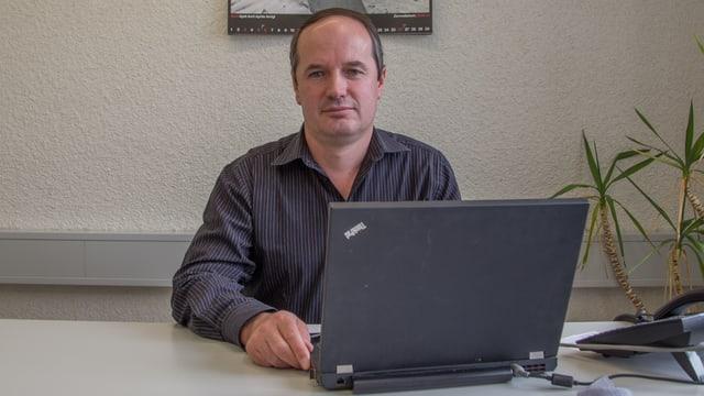 Stefan Schmid, il president communal da Val.