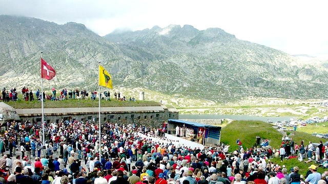 Video «Römisch-katholischer Gottesdienst vom Gotthard-Pass» abspielen