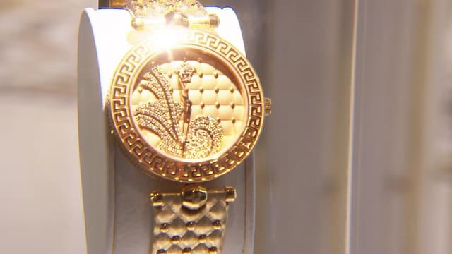 Damen-Armbanduhr aus Gold.