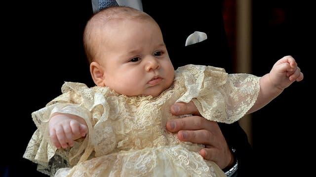 Prinz George im Taufkleidchen