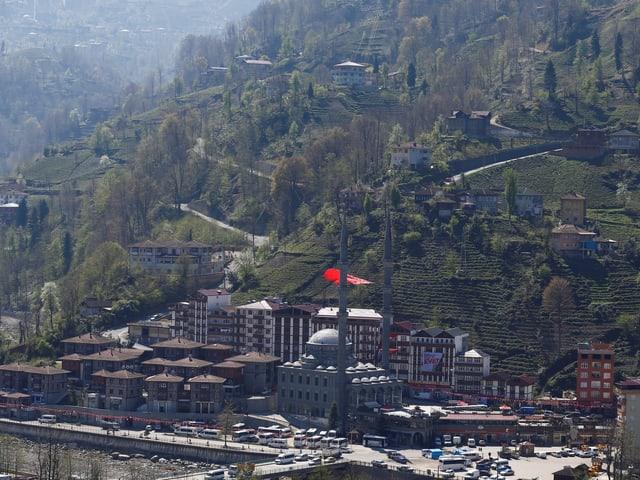 Ein Dorf an der türkischen Schwarzmeerküste.