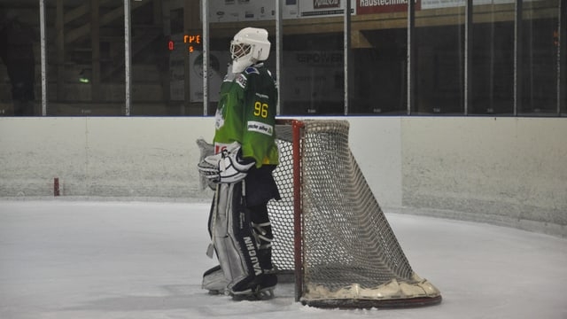 Il goli da hockey dal HC Partenz-Signuradi.