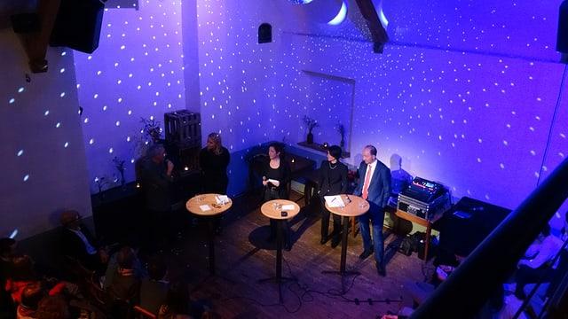 En la Werkstatt han Pascal Biedermann, Gabriela Bruno, Melanie Salis (moderaziun), Isabel Schorer ed Urs Marti discutà davart schanzas per la citad veglia da Cuira.
