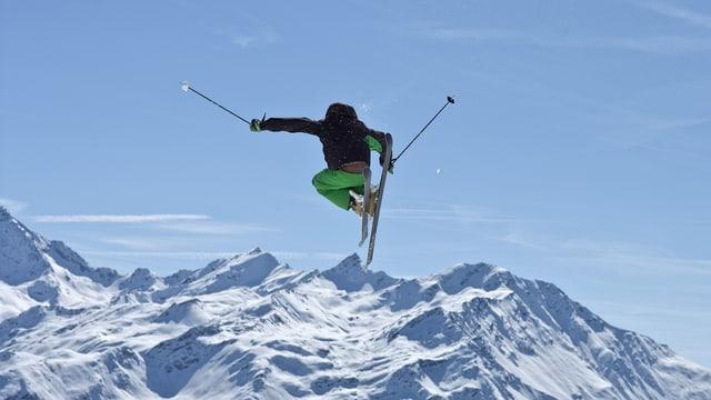 Ein Skifahrer in Verbier.