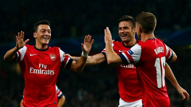 Jubelnde Arsenal-Spieler.