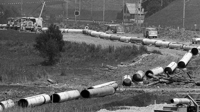 Eine im Bau befindliche Erdgas-Pipeline bei Escholzmatt im Jahr 1973