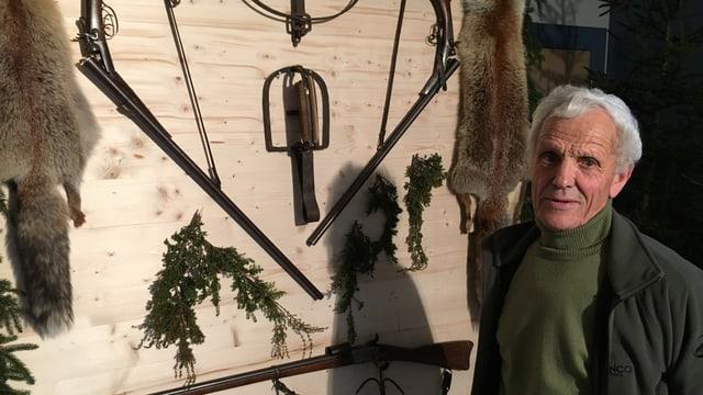 Luis Giger e ses utensils vegls