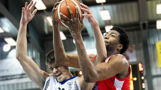 Basketballspieler Fribourg Olympic
