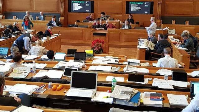 Halbleerer Grossratssaal
