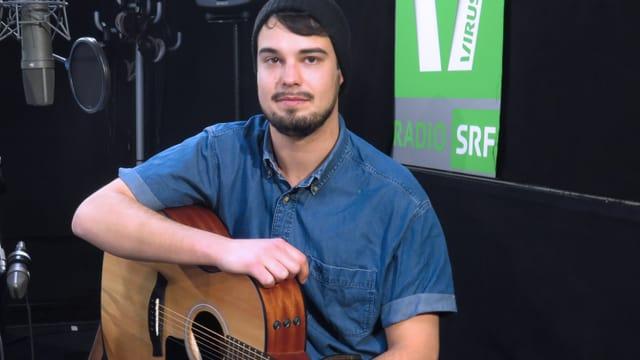 Ben Pavlo und Gitarre