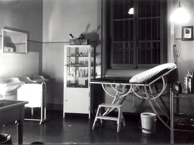 Psychiatrische Universitätsklinik Basel, Behandlungszimmer, ca. 1950