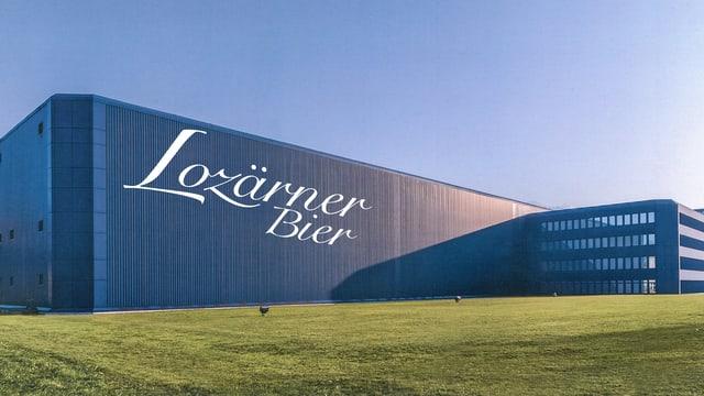 Das blaue Haus mit dem Schriftzug Lozärner Bier