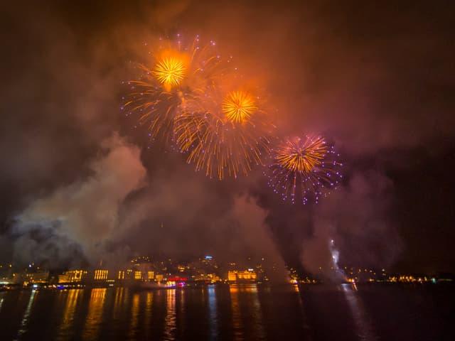 Den krönenden Abschluss bildete das Feuerwerk über dem Luzerner Seebecken.