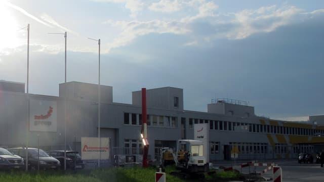 Zehnder-Fabrikgebäude in Gränichen
