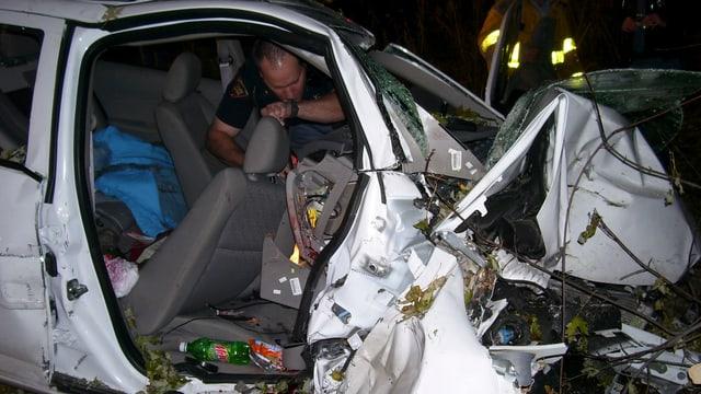 Das Wrack eines Chevrolet Cobalts, in dem 2006 zwei Menschen bei einem Unfall starben.