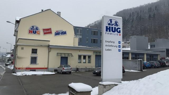 Fabrik mit Aufschrift Hug, Wernli, Dar-Vida