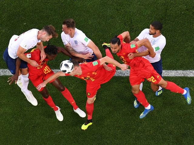 3 Engländer gegen 3 Belgier.