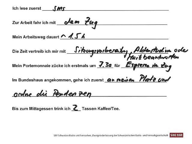 Fragebogen mit Handschrift.