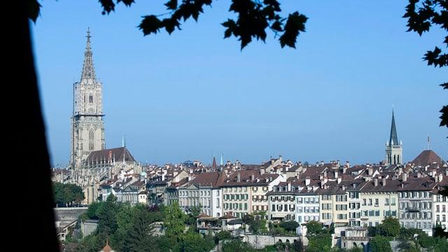 Bild der Stadt Bern mit dem Münster.