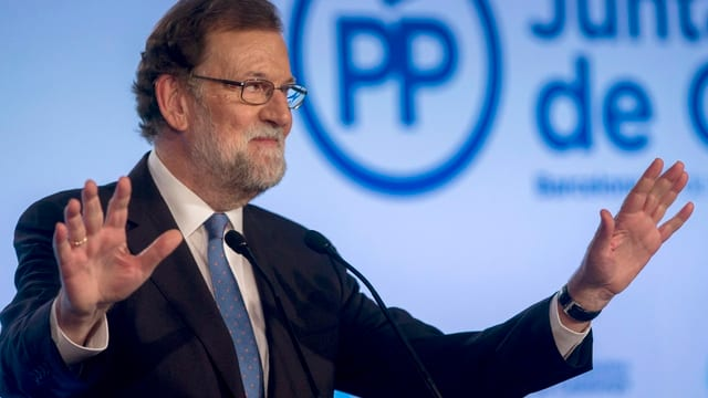 Mariano Rajoy hält Rede.