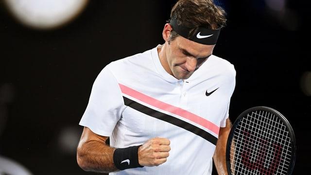Roger Federer fa pugn e sa legra.