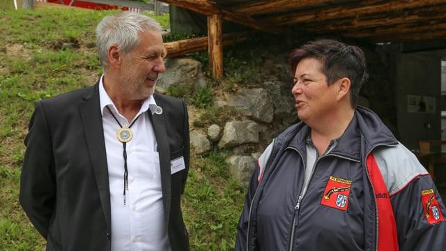 Hubert Tomaschett e Heidi Diethelm en discurs.