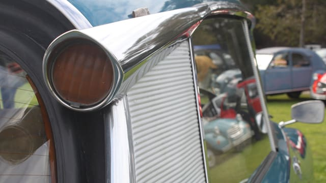 Verchromtes Rücklicht der Citroën DS.