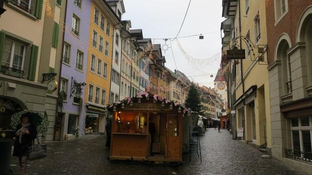 Altstadt mit Ständen.