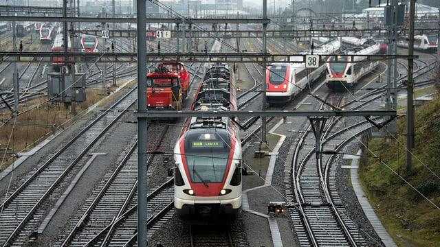 S-Bahn mit Geleise