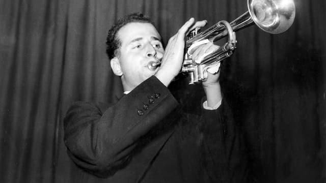 Umberto Arlati spielt Trompete.