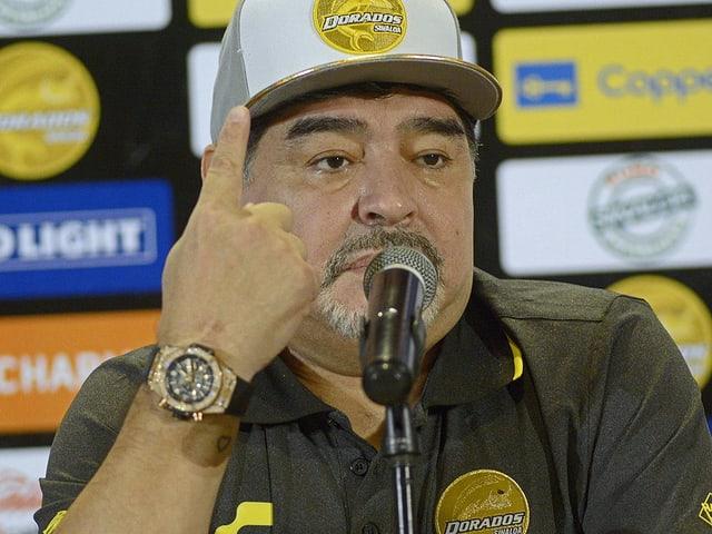 Diego Maradona bei der Vorstellung.
