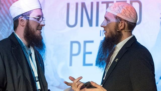 Abdel Azziz Qaasim Illi und Nicolas Blanco vom islamischen Zentralrat an einer Veranstaltung im April dieses Jahres.