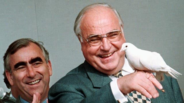 Theo Waigel (links) mit Helmut Kohl