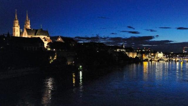 Das Münster in der Abenddämmerung