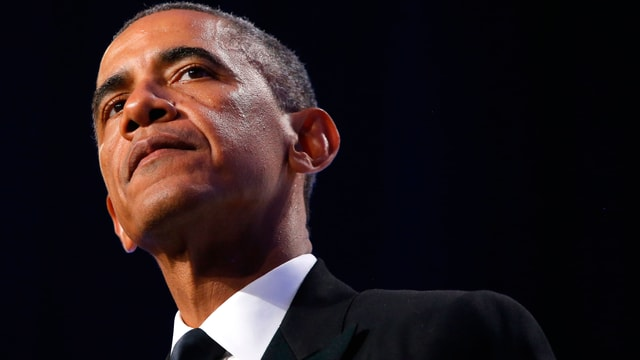Barack Obama, von unten aufgenommen.