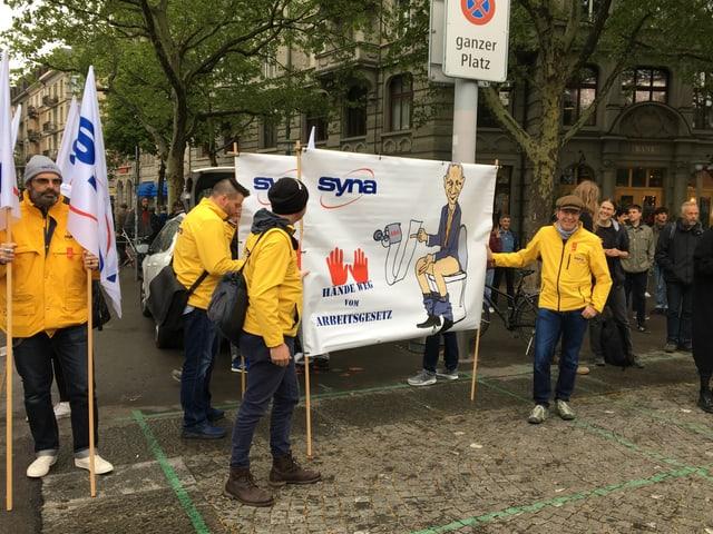 Besammlung für den 1. Mai Umzug in Zürich
